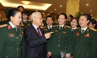 Party leader Nguyen Phu Trong receives prominent female military personnel