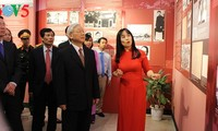 Party General Secretary Nguyen Phu Trong opens exhibition on late Party chief Le Duan