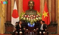 President receives Japan's House of Representatives Speaker