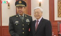 Party leader welcomes Chinese military delegation's visit to Vietnam