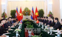 Vietnamese, Cambodian leaders exchange congratulations on 50th anniversary of diplomatic ties