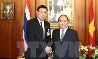 Prime Minister urges legislative cooperation with Thailand
