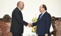 Prime Minister receives outgoing Cuban Ambassador