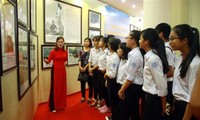 Exhibit on Vietnam's sovereignty over Hoang Sa, Truong Sa opens in Yen Bai