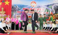 NA Chairwoman attends national solidarity festival in Hoa Binh