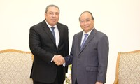 Prime Minister receives new Egyptian, Sudanese ambassadors
