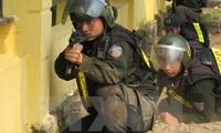 越中在边境举行联合反恐演练