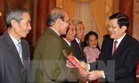 ประธานประเทศ เจืองเติ๊นซาง ให้การต้อนรับคณะผู้ที่บำเพ็ญประโยชน์ต่อชาติบ้านเมืองของจังหวัดห่านาม