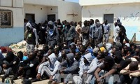 ผู้อพยพนับพันคนได้รับการช่วยชีวิตนอกชายฝั่งของลิเบีย