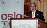 รัฐมนตรีว่าการกระทรวงต่างประเทศสหรัฐและอิหร่านหารือเกี่ยวกับการยกเลิกมาตรการคว่ำบาตร