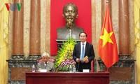 ประธานประเทศ เจิ่นด่ายกวาง พบปะกับบรรดานักวิทยาศาสตร์โลกและเวียดนาม
