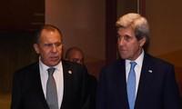 รัฐมนตรีการต่างประเทศรัสเซียและสหรัฐหารือเกี่ยวกับประเด็นสำคัญต่างๆ นอกรอบการประชุมเอเปก 2016