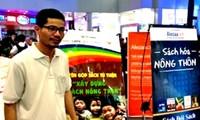 Nguyen Quang Thach, recopilador de libros