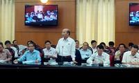 Diputados vietnamitas perfeccionan enmiendas de Constitución y Ley de Tierra