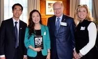 Presentan segundo libro sobre Ho Chi Minh en Canadá