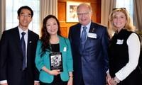 """Libro: """"Ho Chi Minh – Humanismo y Desarrollo"""""""