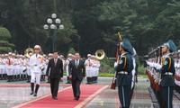 Estrechan cooperación multifacética Vietnam y Mongolia