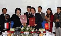 Impulsan cooperación comunicativa Vietnam e Indonesia