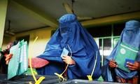 Afganistán suspende publicar resultados electorales