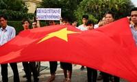 Comunidad vietnamita en el extranjero continúa rechazando la infracción china en Mar Oriental