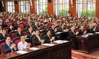 Diputados vietnamitas aportan opiniones a importantes leyes