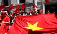 Comunidad de vietnamitas en ultramar aportan 100 mil dólares a la defensa nacional en Mar Oriental
