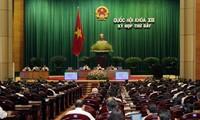 Parlamento vietnamita aprobó 16 billones de dongs para la Guardia Costera y pescadores