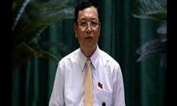 Miembros del Gobierno vietnamita comparecen ante el Parlamento