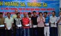 Ayudan a pescaderos de Da Nang en su trabajo en el Mar Oriental