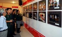 Exposición de fotos y veladas artísticas por 70 años del Ejército Popular de Vietnam