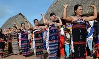 La etnia Co Tu aprende a hacer turismo