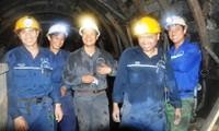 Prestan mayor atención a la vida de trabajadores hacia un desarrollo sostenible