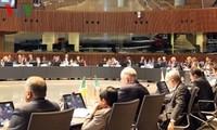 Delegación vietnamita sostiene reuniones al margen de duodécima Conferencia de ASEM