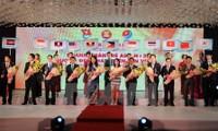 Honran a empresarios jóvenes de ASEAN+3 por contribuciones a desarrollo sostenible