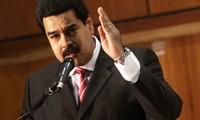 Venezuela renueva gabinete en esfuerzo de salvar la economía nacional