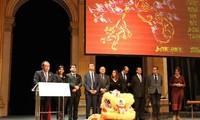 Vietnamitas en Francia celebran año nuevo lunar 2016