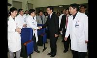 Numerosas actividades en saludo al Día del Médico de Vietnam