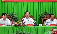 Primer ministro pide apoyo a compatriotas afectados por desastres naturales en Delta del río Mekong