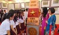 Exposición de documentos muestra soberanía vietnamita en el Mar del Este