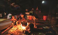 Ancestral culto a la deidad de la cocina de los Ha Nhi