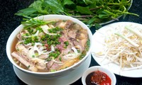 Platos típicos vietnamitas en Festival de Gastronomía Callejero de Praga