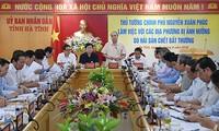 Vietnam continúa superando consecuencias de muerte de peces en costas centrales