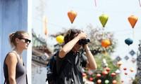 Localidades centrales de Vietnam atraen gran afluencia de turistas en los días feriados