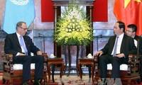 Autoridades vietnamitas debaten sobre cambio climático con dirigente de la ONU
