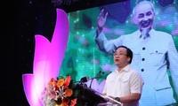 Piden renovar movimiento sobre ejemplo de Ho Chi Minh