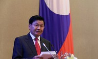 En Vietnam primer ministro laosiano