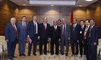 Fortalecen la cooperación Partidos Comunistas de Vietnam y Rusia