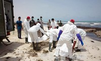 Se encontraron restos de 133 migrantes en costa de Libia