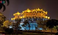 Belleza excepcional de la antigua capital Hue por la noche