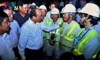 Primer ministro visita sitio de construcción de túnel montañoso en localidades centrales